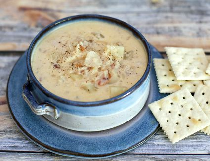 Cooking with a slow cooker for Crockpot fish chowder