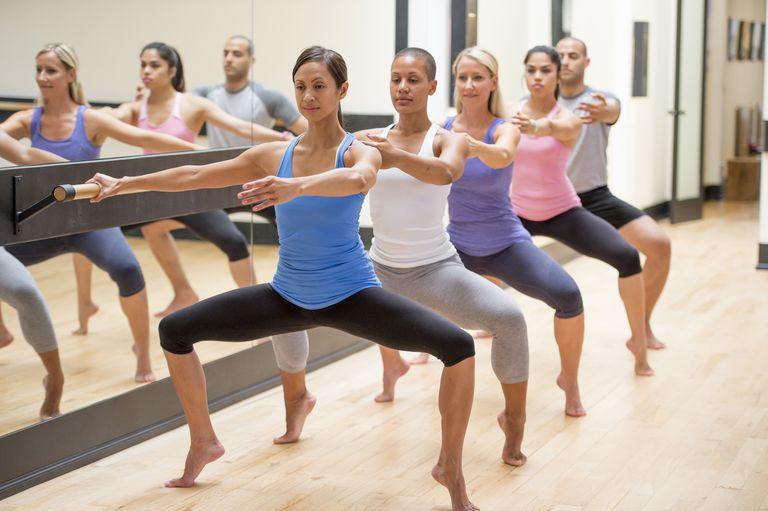 barre workout plie squat