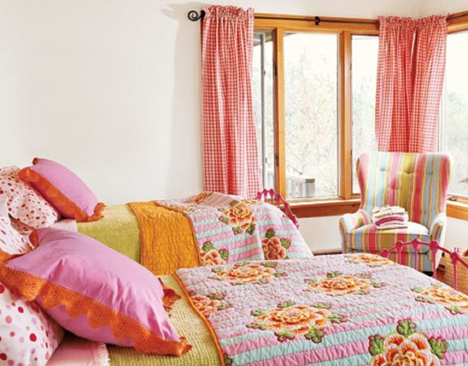 orange and pink bedroom colorful small bedroom decorating ideas 16564
