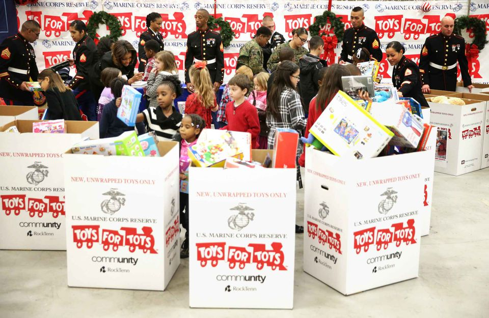 Top 7 Charities That Help Children at Christmas Time