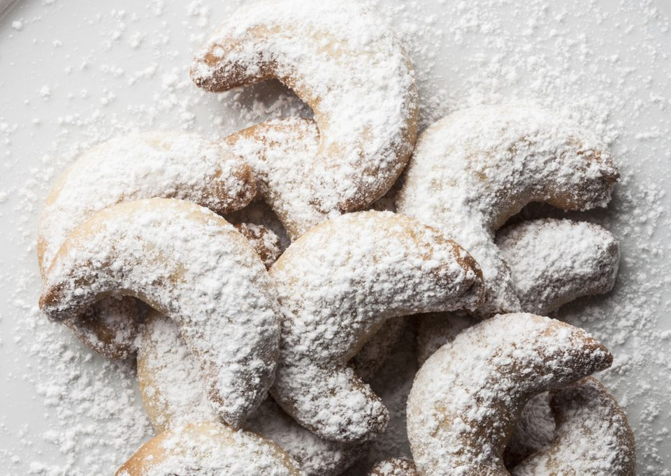 Crescent Cookies with Almonds