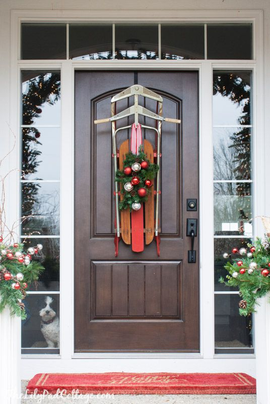 6 Unique Ways To Decorate Your Front Door For Christmas