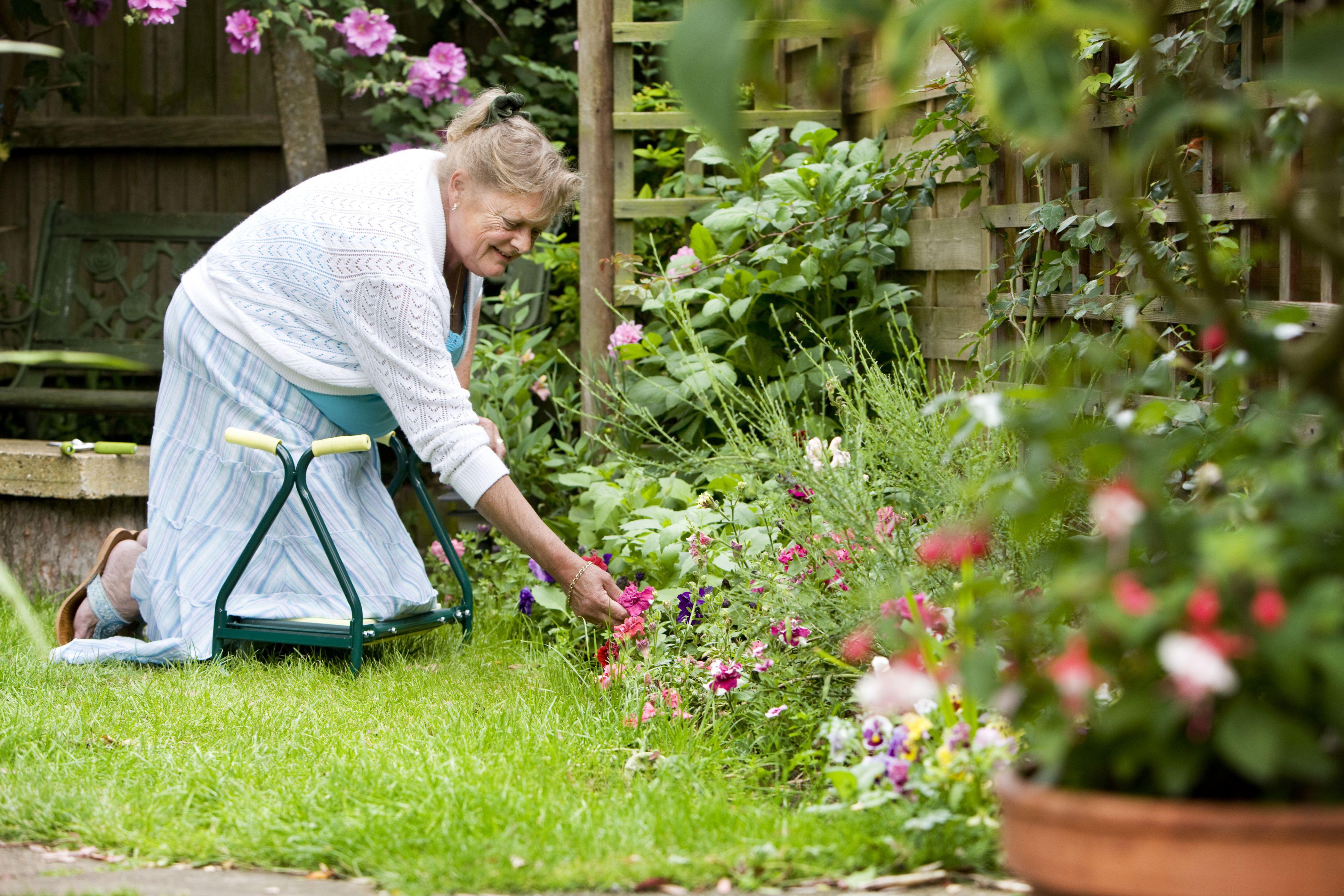 Ergonomic Garden Tools for People With Arthritis