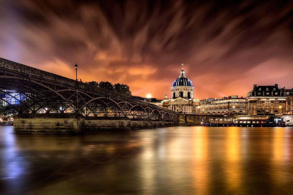 Pont des Arts at night.