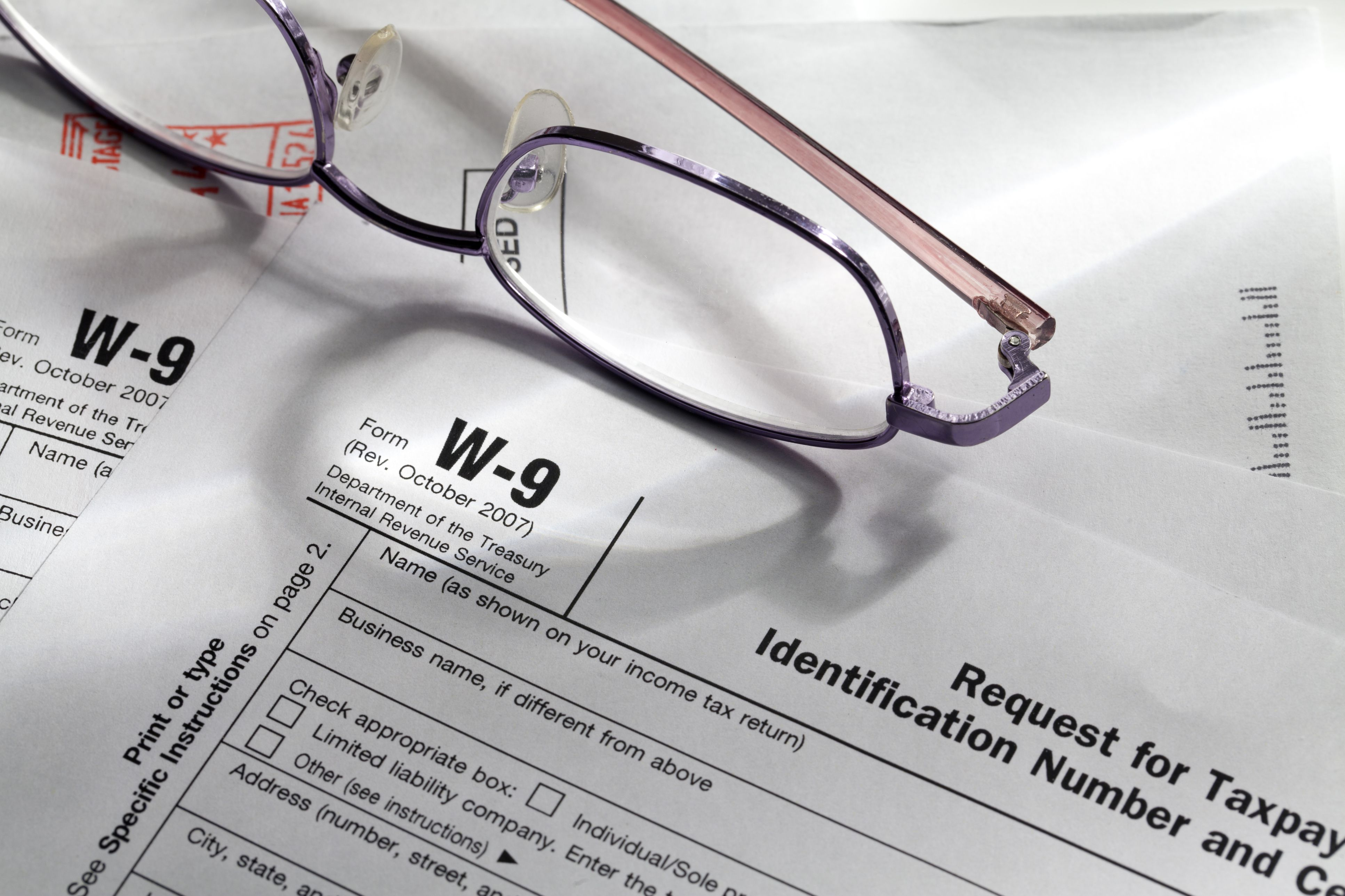 W-9 Tax Form: What to Consider Before You Sign