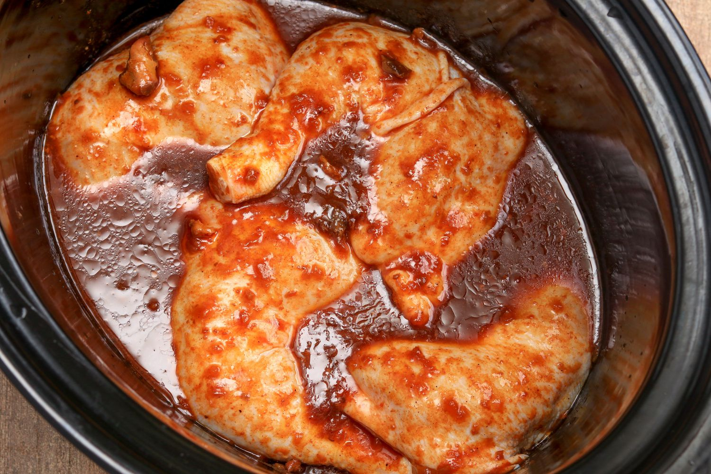 2 Ingredient Crock Pot Barbecued Chicken Legs Recipe