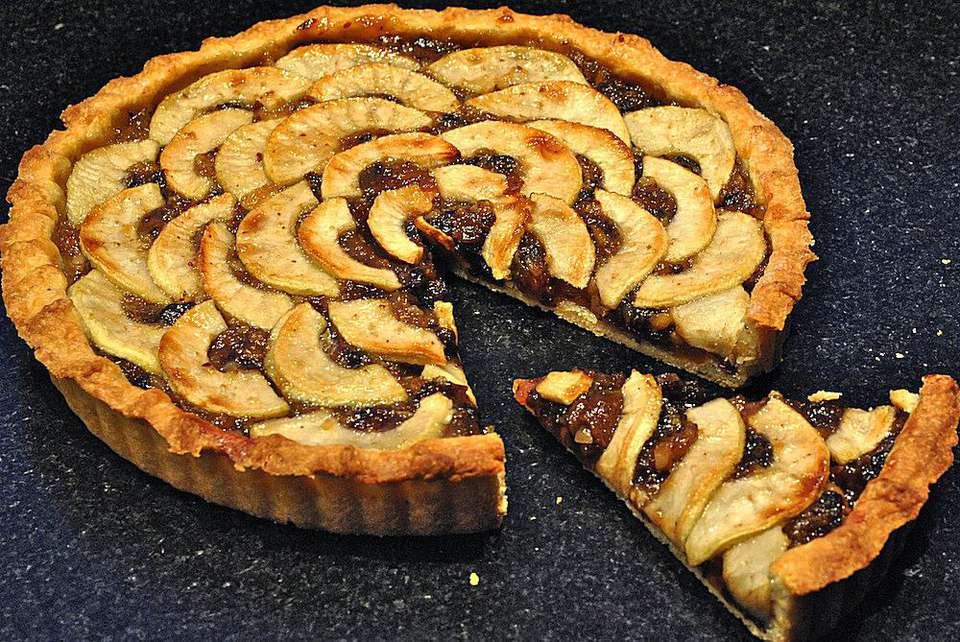 Mincemeat and Apple Tart - Mincemeat and Apple Tart Recipe