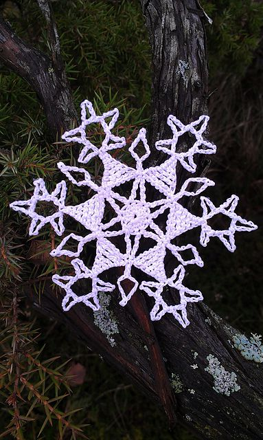 Northern Star Snowflake Free Crochet Pattern