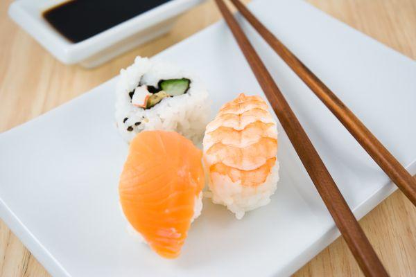 Salmon and shrimp sushi