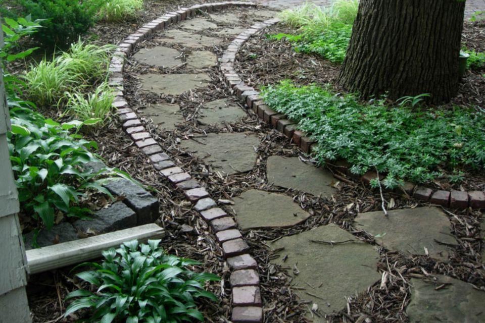 easy flagstone path bordered in brick - Walkway Ideas