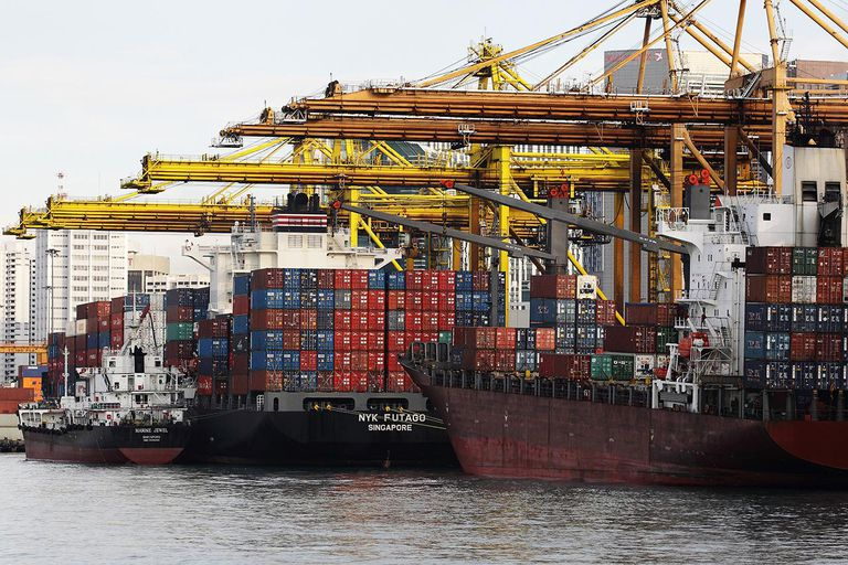 Singapore's Shipping Port Records Strong Growth In 2013