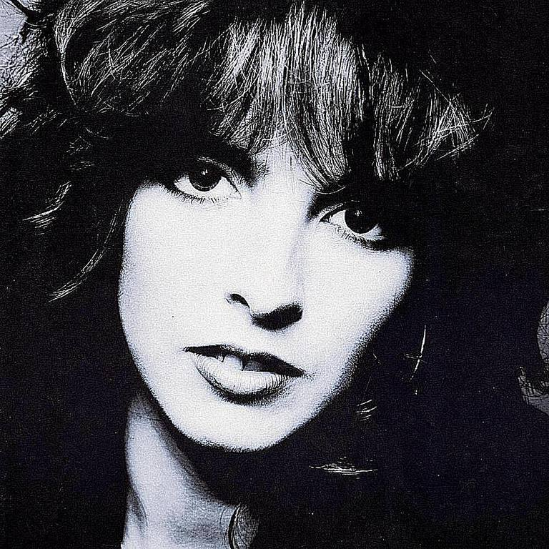 Nena served as both stage name for a superstar German singer as well as the band she fronted throughout the '80s.
