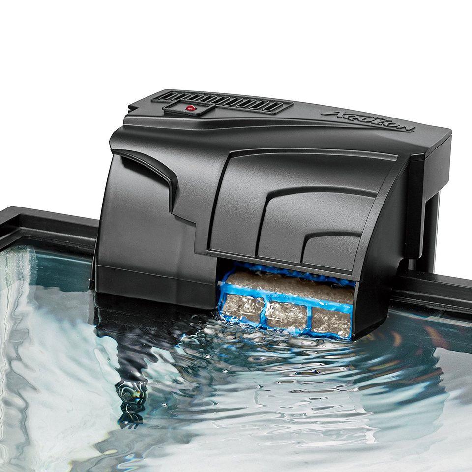 Filter on fish tank edge