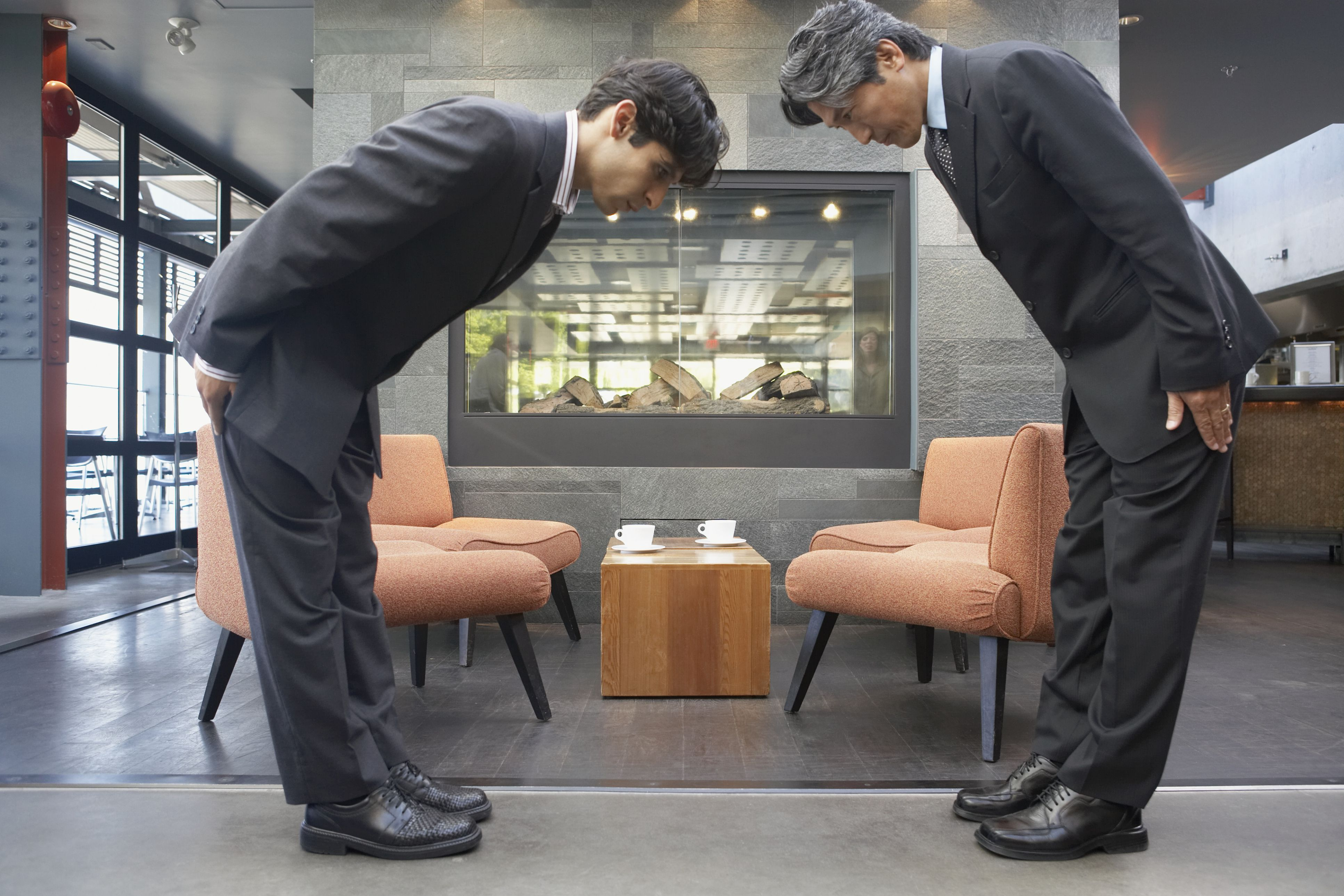 When To Bow In Japan A Guide To Bowing Etiquette