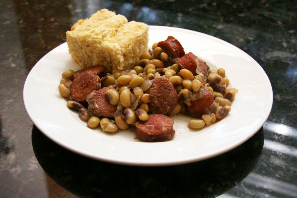 purple hull peas and sausage