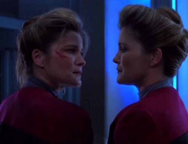 Janeway meets Janeway (Kate Mulgrew)