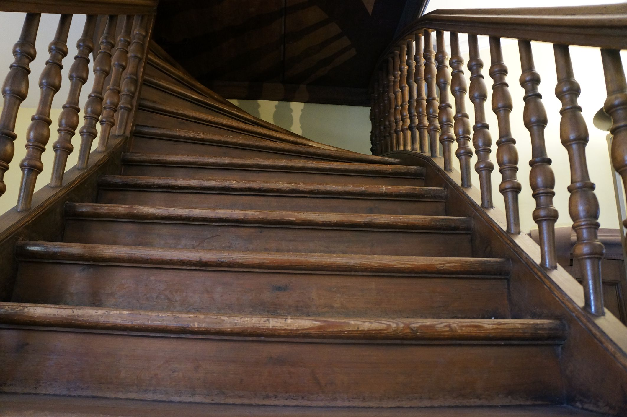 Basement Stairwell Wall Ideas