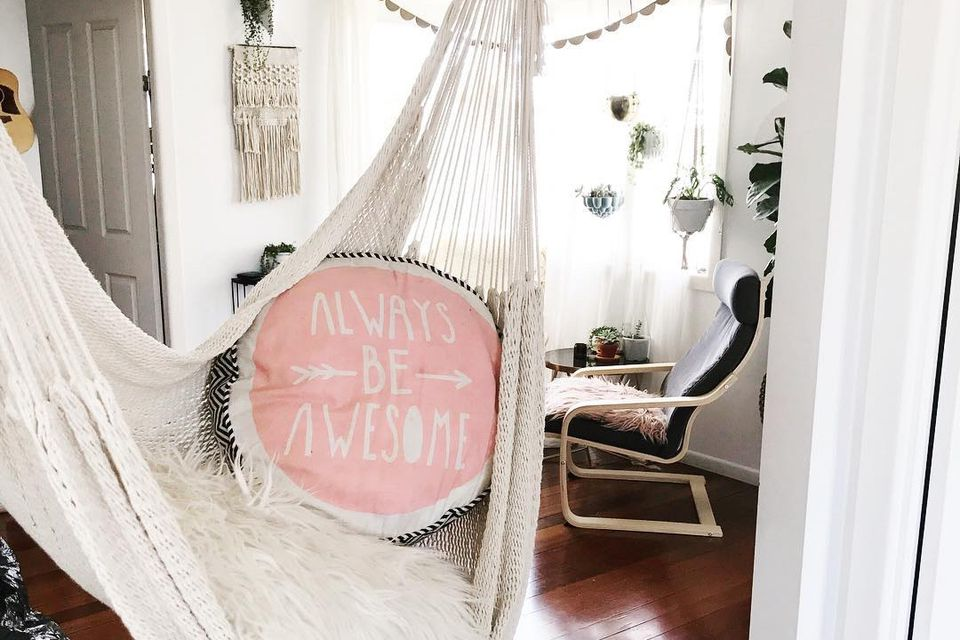 20 Indoor Hammock Decorating Ideas