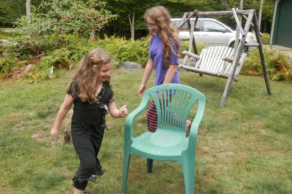 Favorite kids' party games: musical chairs
