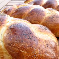 Challah Loaves with Poppy Seeds