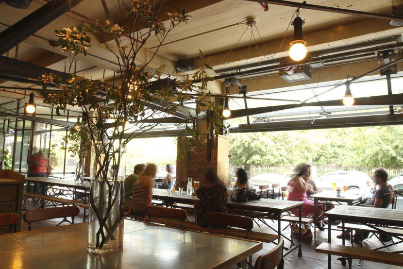 Six Best Beer Halls In Williamsburg