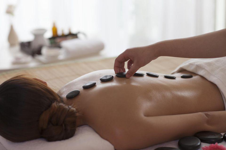 Warm stone massage-5020
