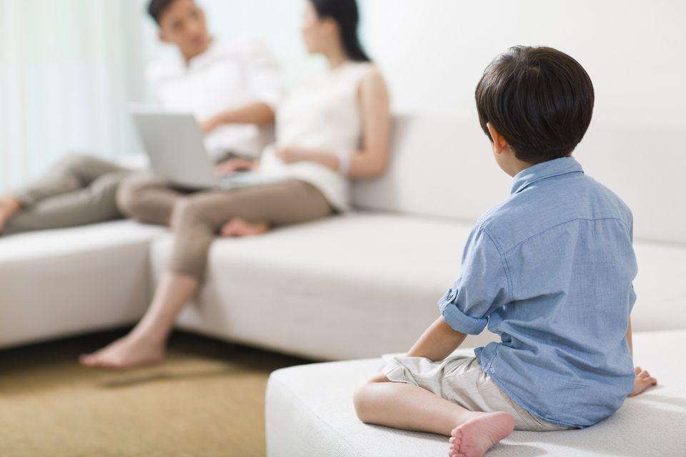 Joint custody parents talking