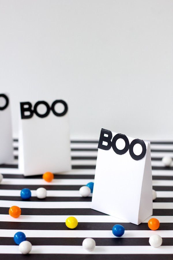 DIY Boo Paper Treat Bags