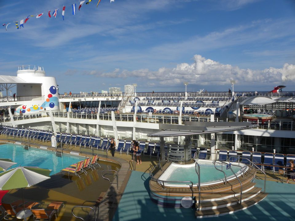 Oasis Of The Seas Cruise Ship Overview - Cruise ship topless
