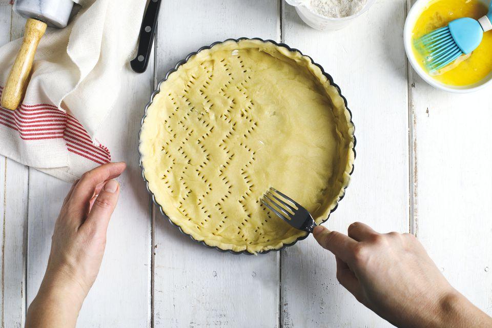 docking a pie crust
