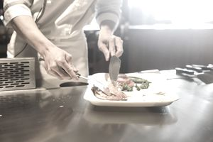 Reducing food waste in a restaurant kitchen