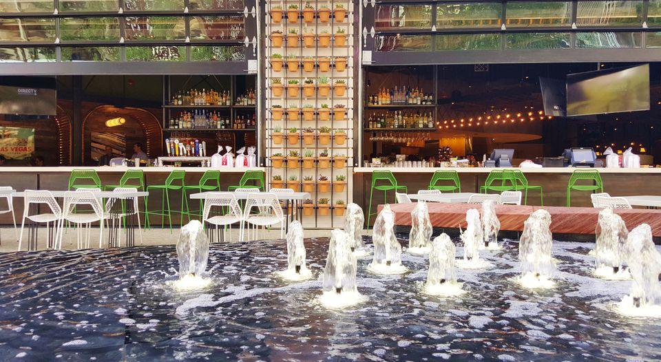 The Bar at California Pizza Kitchen ay Park Las Vegas