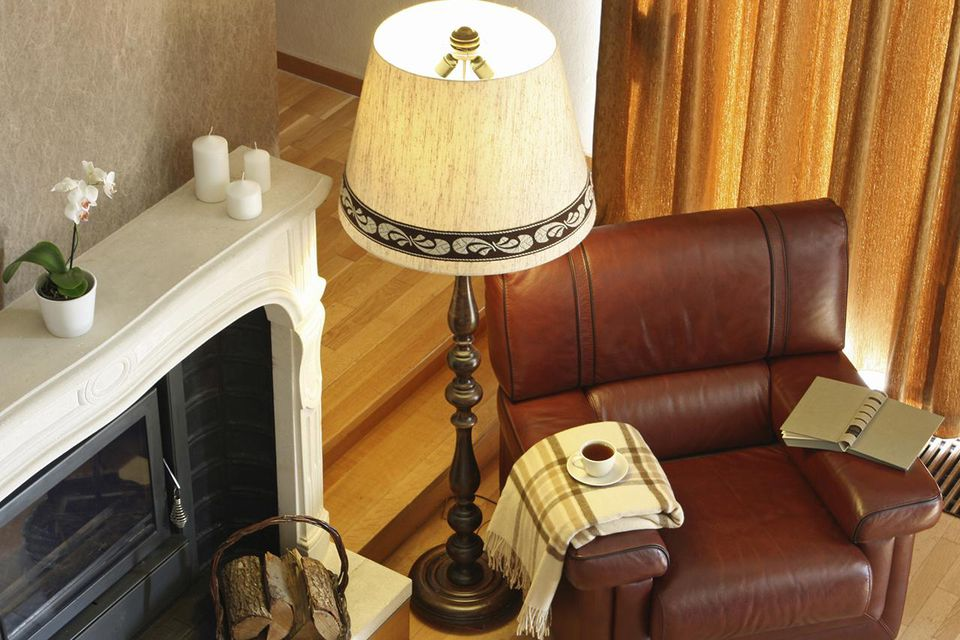 How to refurbish a floor lamp