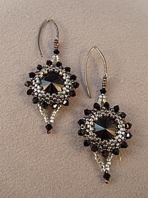 Glamour And Goth Earrings Free Beading Pattern