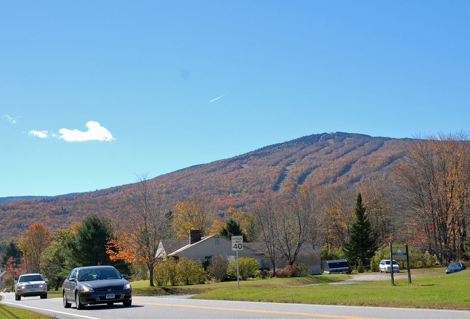 Fall Foliage Driving Tours in New England