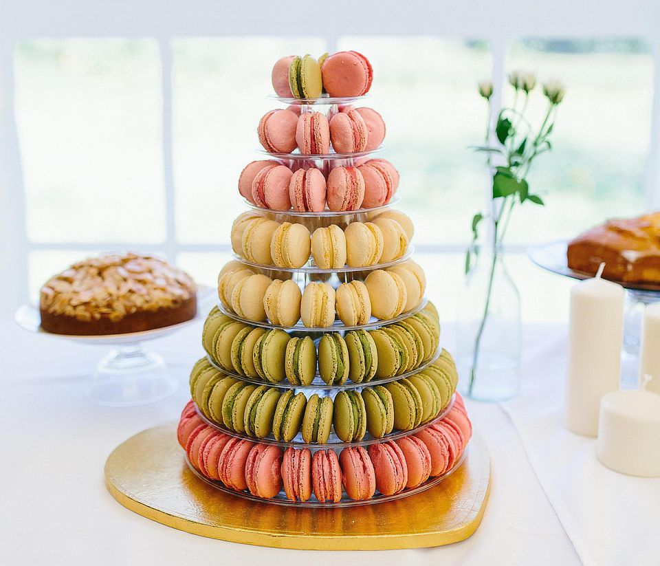 The Difference Between Macarons And Macaroons
