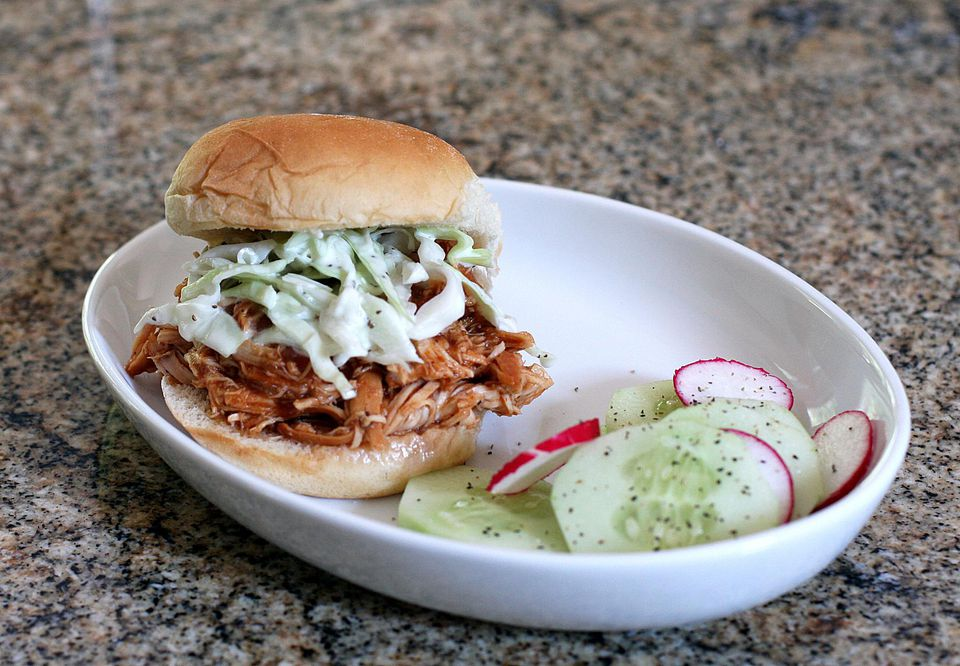 Simple Slow Cooker Chicken Barbecue