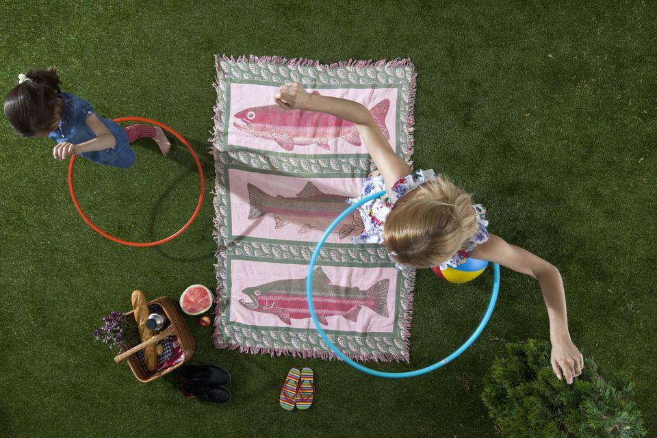 Summer Kids Activities hula hoops Picnic