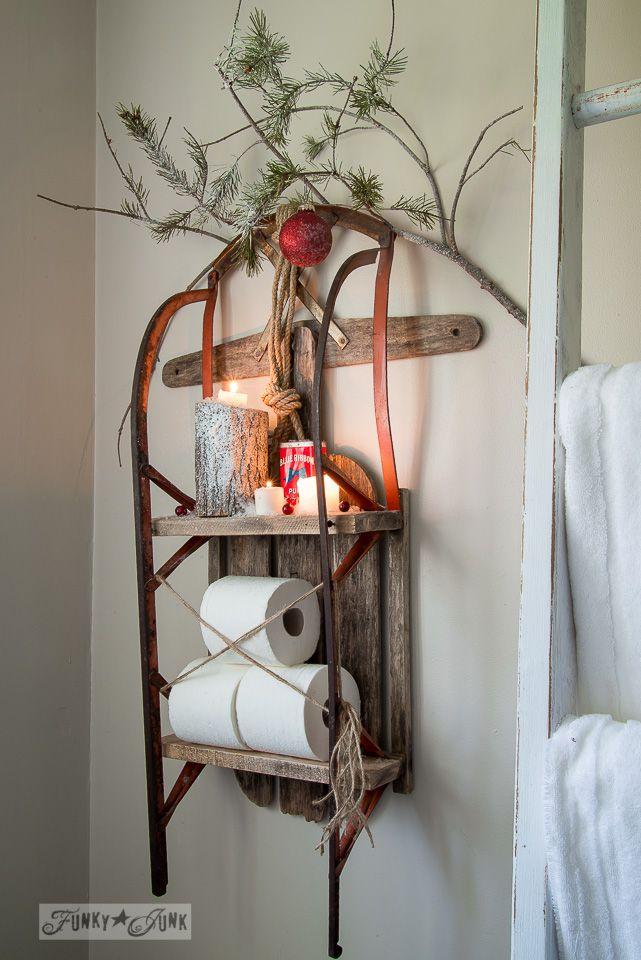 Cheerful Holiday-Themed Bathroom Decor Ideas