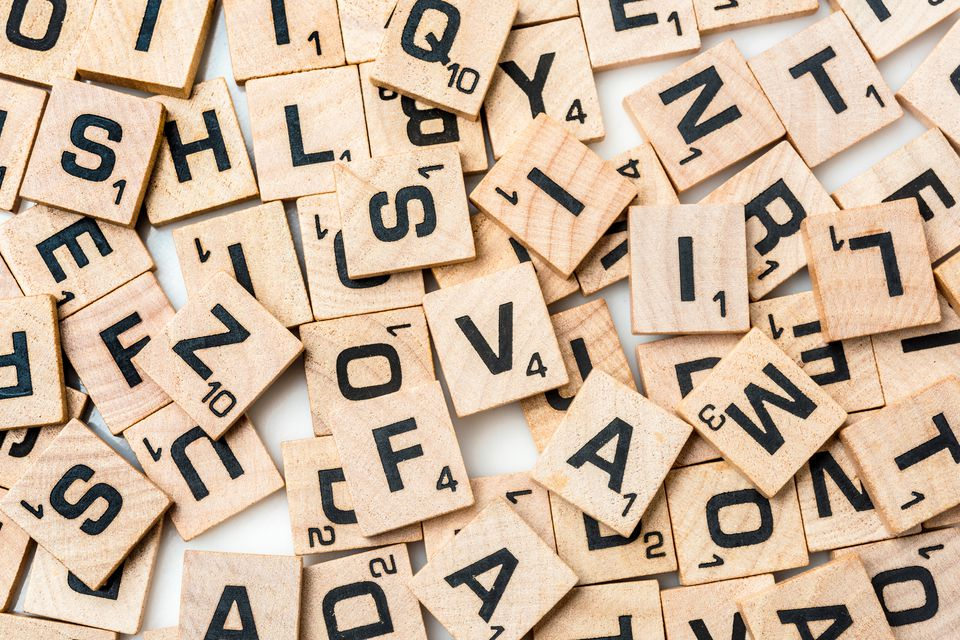 how many letter tiles are in scrabble