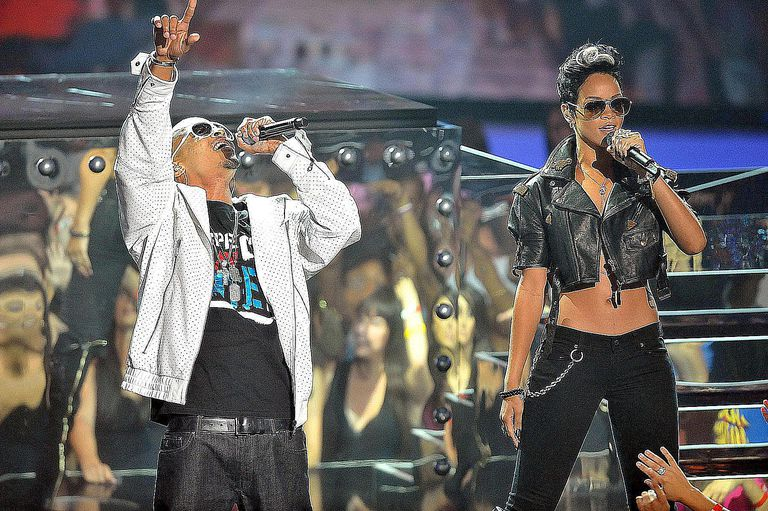Rihanna and T.I - Live Your Life