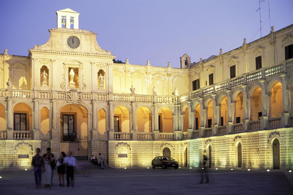 Lecce Travel Guide City in Puglia Southern Italy