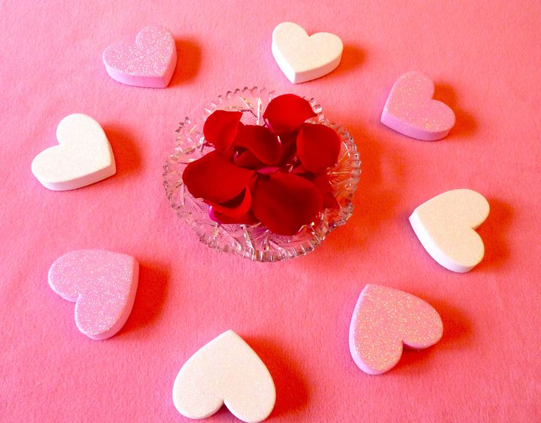 Ring Around the Rose Petals Valentine's Day Table Decoration Idea