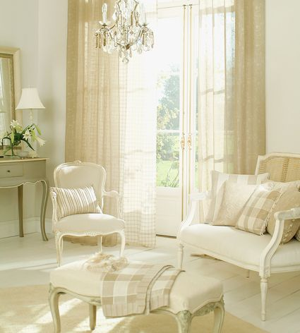 Differences In Curtains Drapes Shades And Blinds