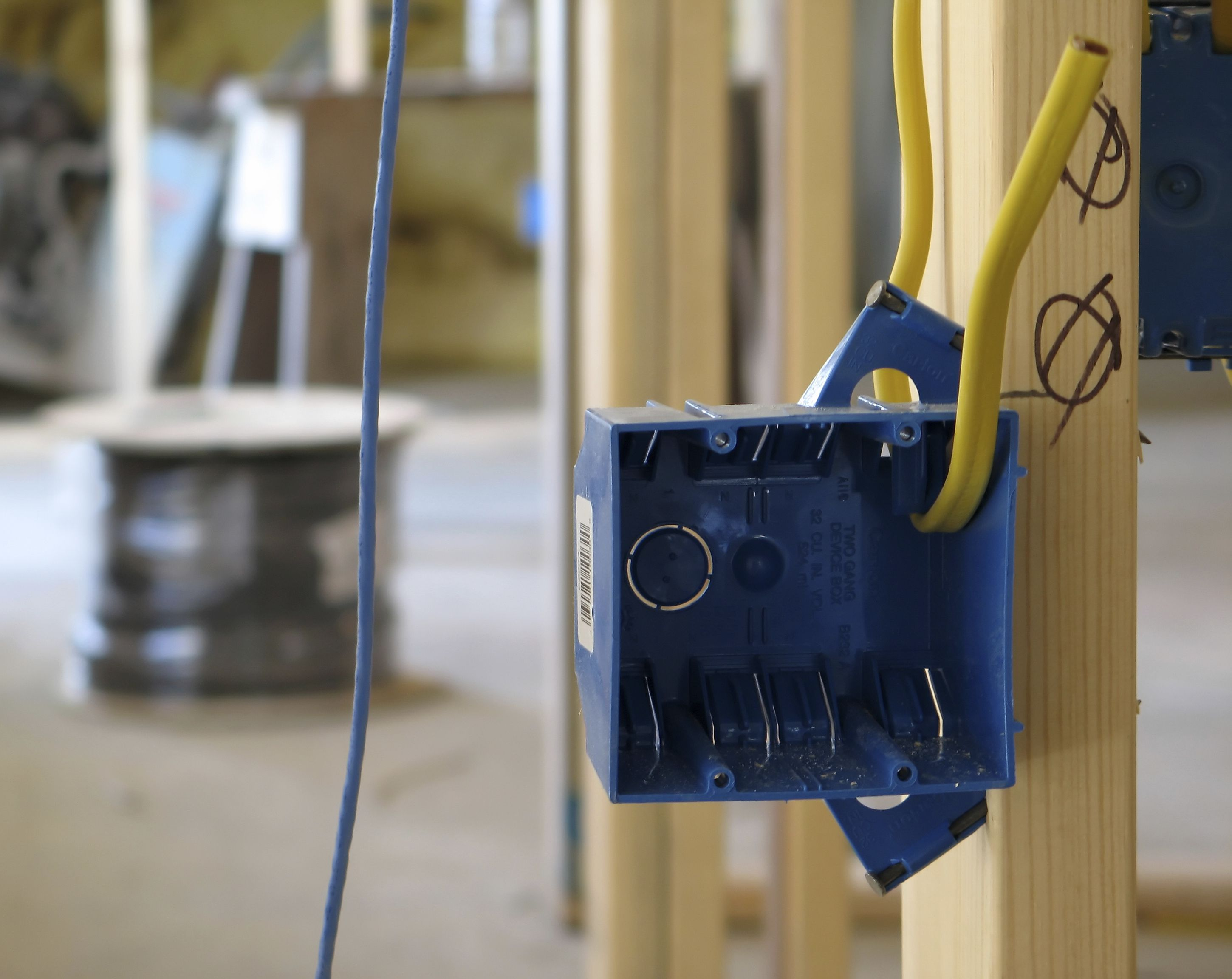 What Are Plastic Electrical Boxes – Landing Light Wiring To Outlet