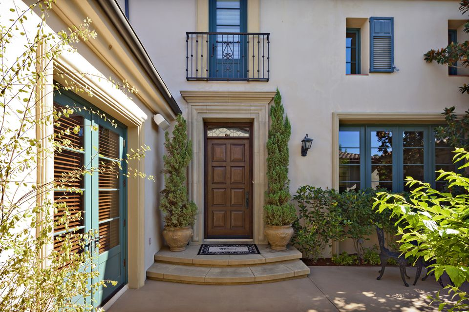 Choose Your Best Feng Shui Front Door Color - Best front door colors