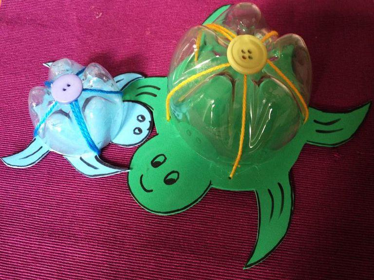 Tortugas de fomi y plastico
