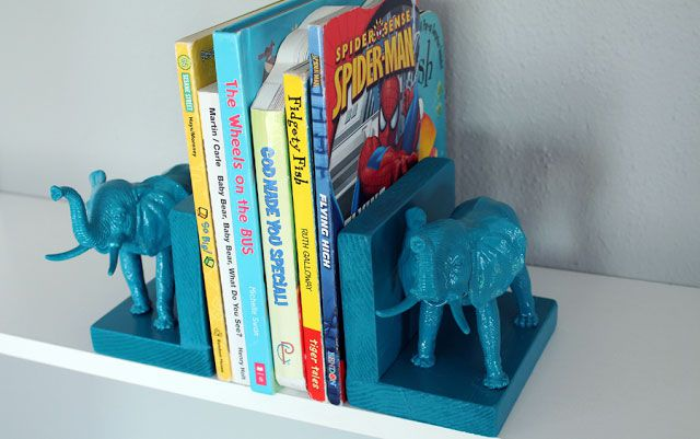 [Image: Elephant-Bookends-583e3b2e5f9b58d5b1b06250.jpg]