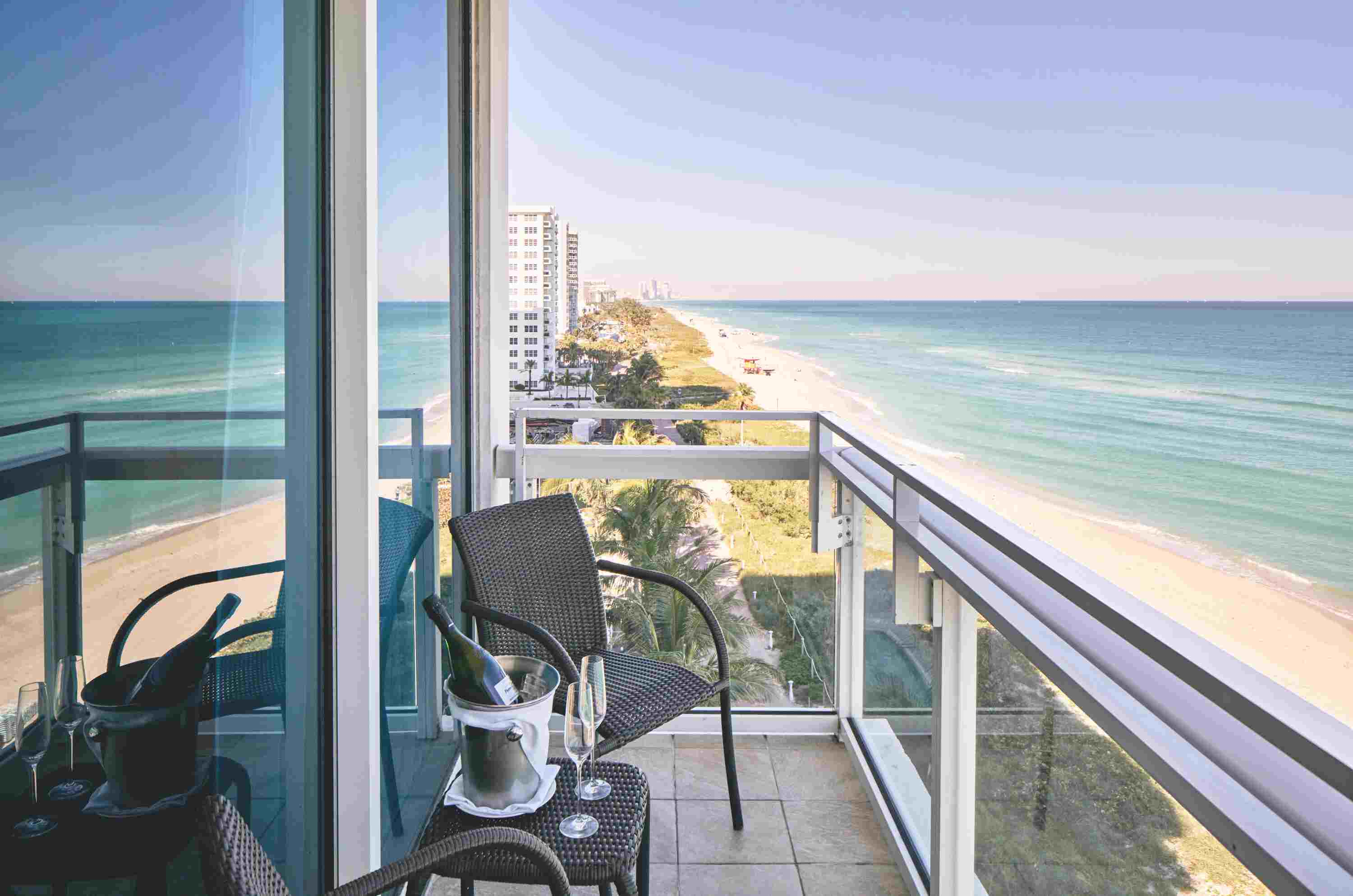 miami eight east stylish travel garden in options cheap gardens story hotels