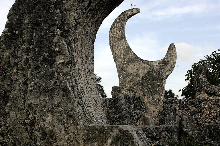 1,100 Tons Of Sculpted Coral A Monument To Love